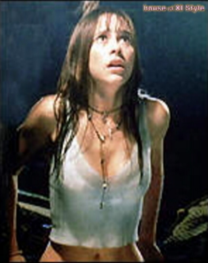 Natural Wonder Girls! Jennifer Love Hewitt Dancing In The Matmos!